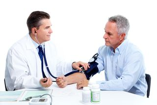 Blood-pressure-measuring-Doctor